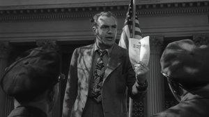 Fotograma del corto 'Don't Be A Sucker' (1943)