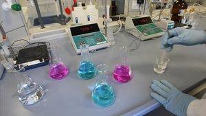 Laboratorio de la empresa Agbar Aguas de Barcelona, donde se analizan las aguas residuales de la capital catalana.