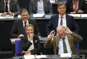 Los dirigentes de la ultra AfD Alice Weidel y Alexander Gauland, en el Bundestag.