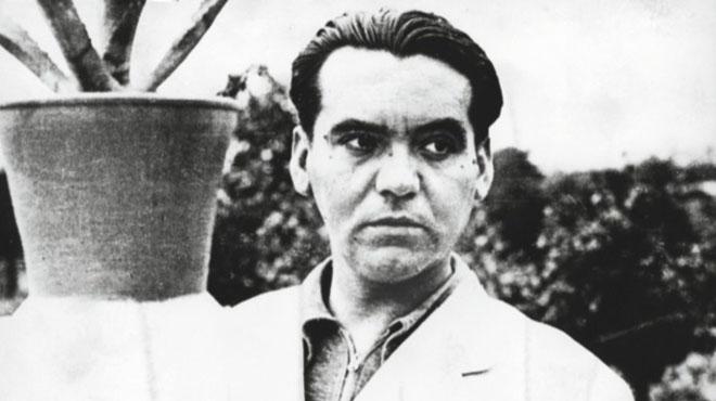 Se halla la fosa donde podrían yacer los restos del poeta Federico García Lorca junto a otros tres fusilados.
