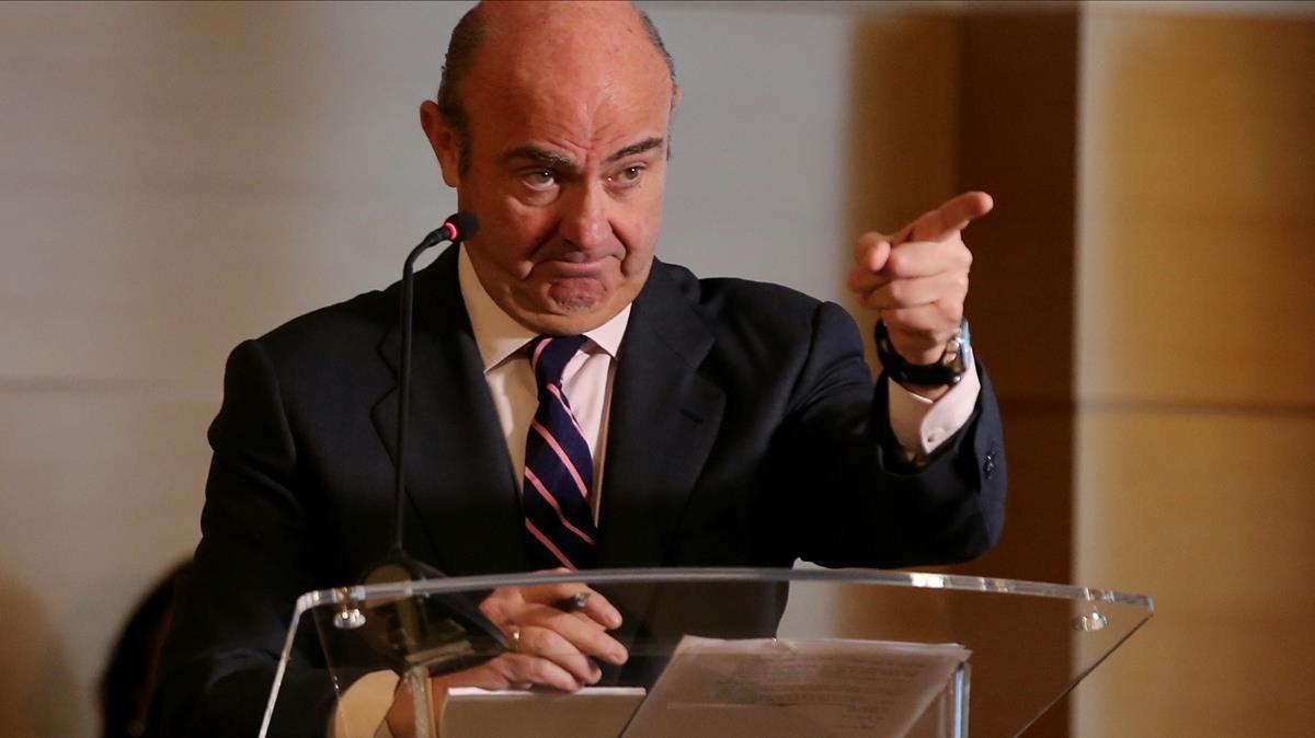 Luis de Guindos durante su comparecencia ante los medios de este miércoles.