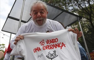 Lula, en campaña en Sao Paulo.