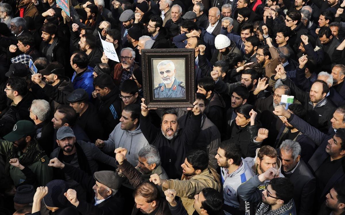 Manifestación de protesta en Teherán por el asesinato de Soleimani.