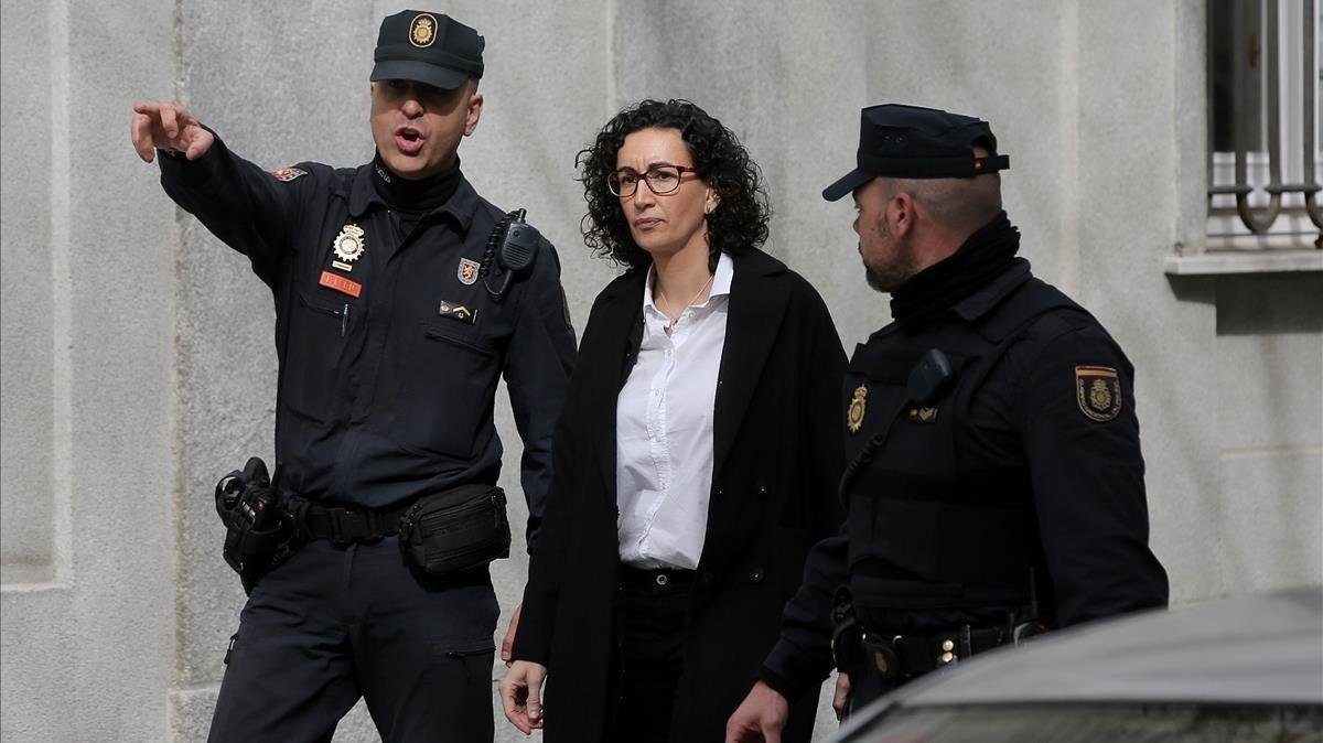 Marta Rovira a su salida del Tribunal Supremo, tras declarar ante el juez.