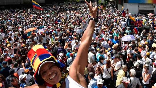 Miles de venezolanos se han manifestado ese miércoles en los 23 estados del país y el Distrito Capital en contra de Nicolás Maduro.
