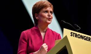 La ministra principal de Escocia y líder del Partido Nacionalista Escocés, Nicola Sturgeon, durante su alocución en la clausura del congreso.