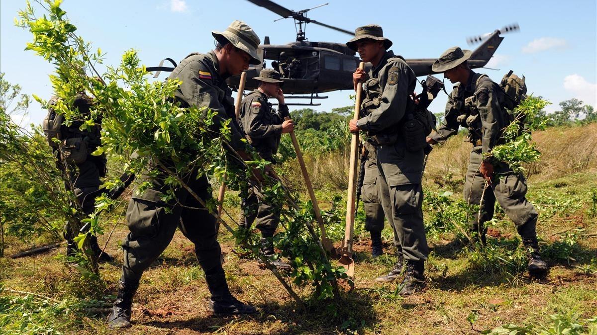 Resultado de imagen para soldados colombianos