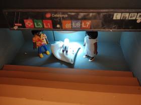 El director de Oxfam Intermón, Francesc Mateu, monta cada año su belén particular con muñecos de Playmobil.