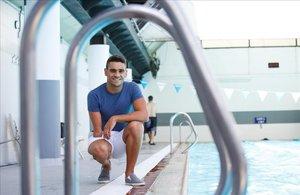 Óscar Salguero, nadador paralímpico, en el Club Natació Sabadell.