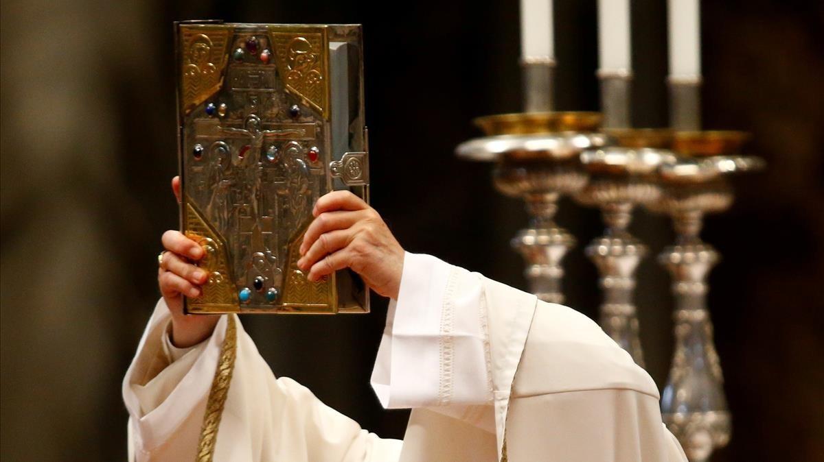 El Papa Francisco durante la Misa Crismal, en la Basílica de San Pedro.