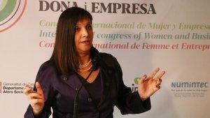 La presidenta de la comisión de Mujer y Empresa de Pimec,Iolanda Piedra, durante una rueda de prensa.