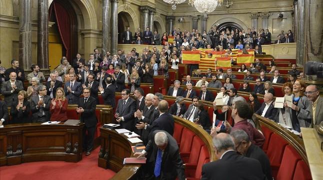 Pleno del Parlament en el que se aprobó la declaración de inicio del camino de ruptura con el Estado, el pasado 9 de noviembre.