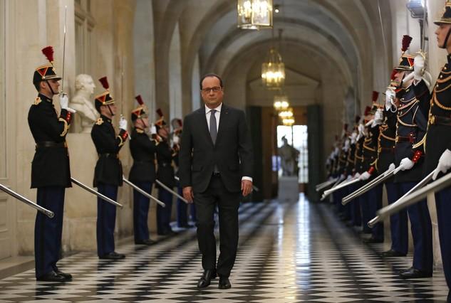 El presidente francés François Hollande antes de dirigirse a la nación.