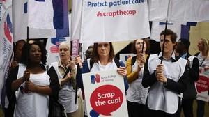 Protesta de los trabajadores del NHS,la sanidad británica,por sus salarios.