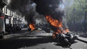 Imagen de las protestas de este sábado en el centro de París.