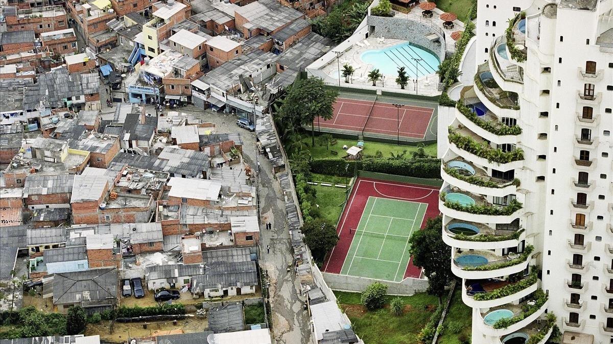 Diferencia entre un barrio ricoy un barrio pobre de Sao Paulo
