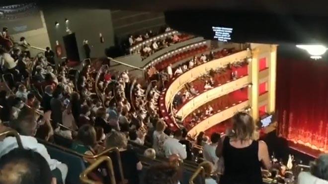 Escàndol al Teatro Real per la falta de distància de seguretat entre butaques