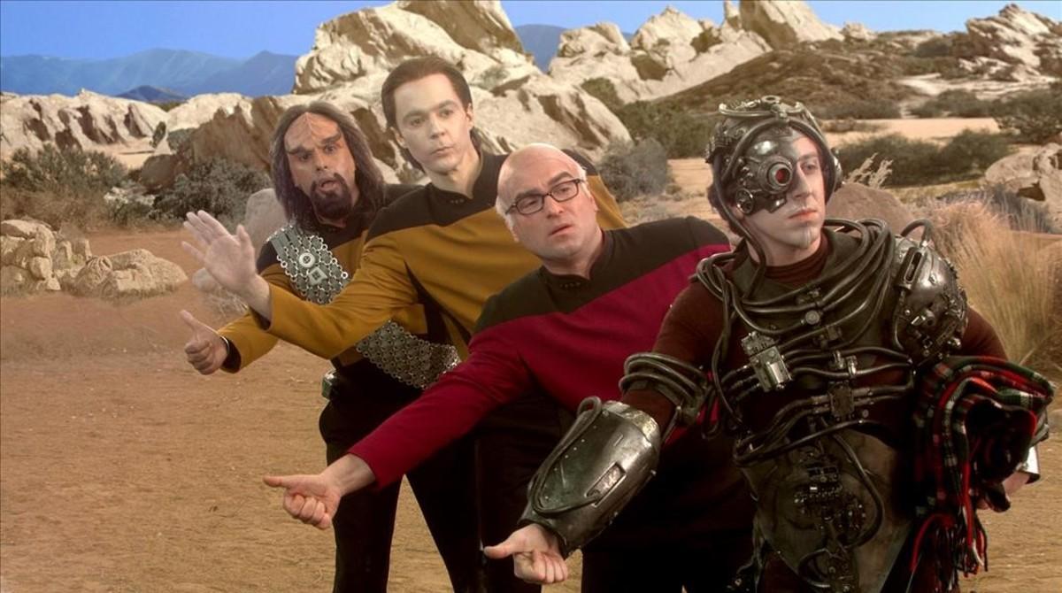 De izquierda a derecha,Kunal Nayyar,Jim Parsons,Johnny Galecki y Simon Helberg,protagonistas de Big Bang Theory, en una escena de la serie.