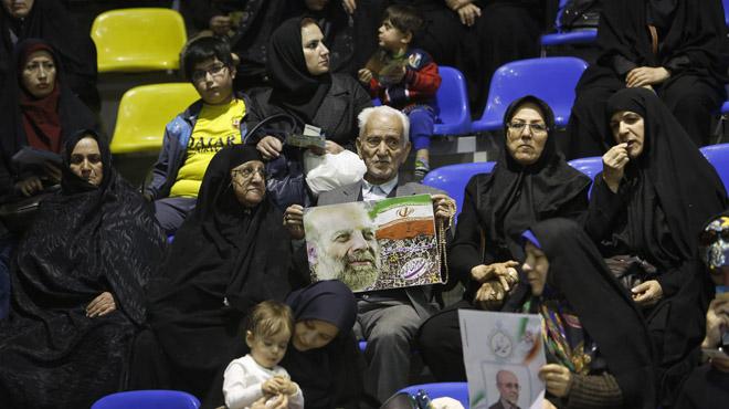 La economía enfrenta a reformistas y conservadores en Irán