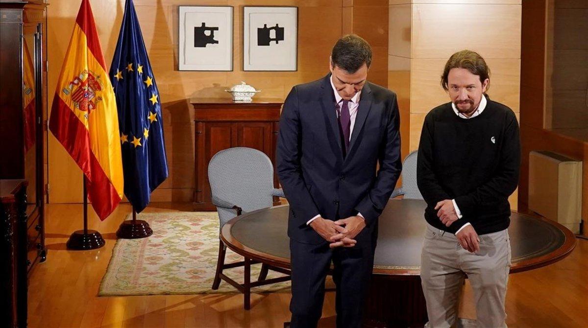 Pedro Sánchez y Pablo Iglesias, durante una reunión en el Congreso el pasado 11 de junio.