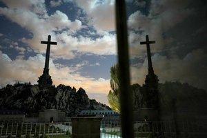Frares contra guàrdies a El Palmar de Cuelgamuros