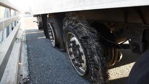 El detingut per punxar les rodes a 50 camions és un mosso d'esquadra