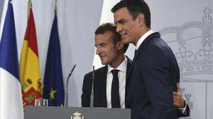 Los presidentes francés, Emmanuel Macron, y español, Pedro Sánchez, en julio de 2018.