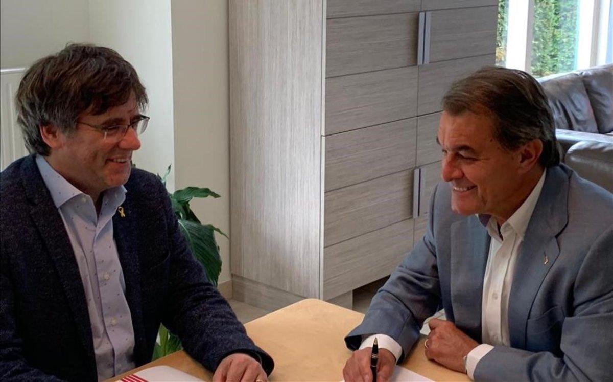 Carles Puigdemont y Artur Mas, en Waterloo, el pasado miércoles.
