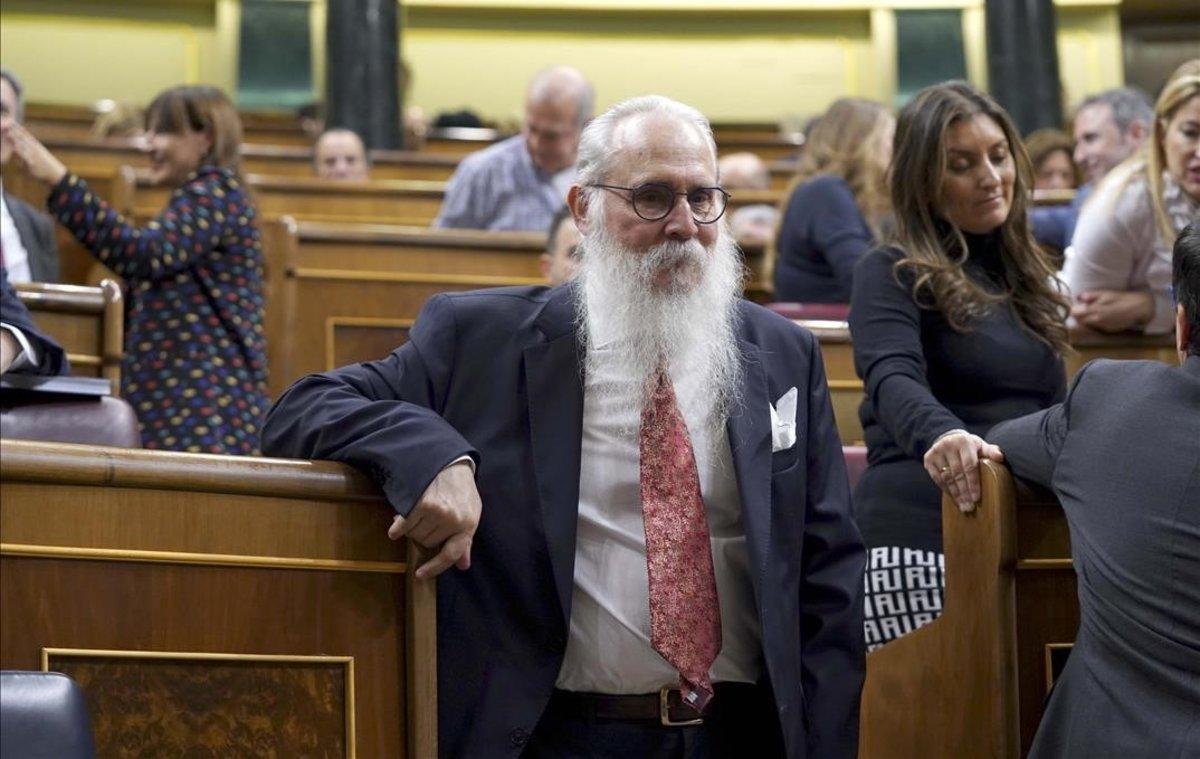 El diputat de més edat: «Estic coix, com la resta del Parlament, uns invàlids i els altres coixos»