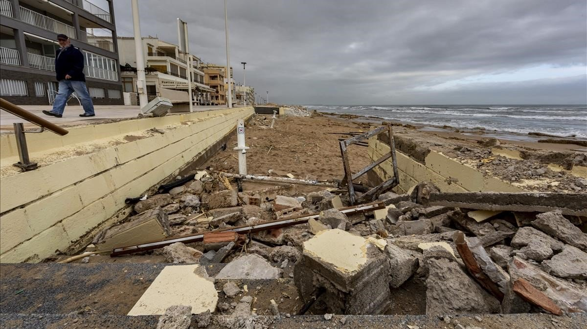El Govern reformarà la llei de Costas per afrontar l'impacte dels temporals