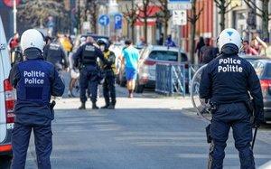 Greus disturbis a Brussel·les després de la mort d'un jove a l'intentar escapar-se de la policia