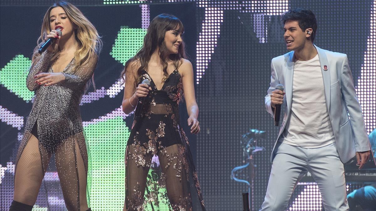 Mimi, Aitana y Alfred, en el concierto de OT en Barcelona.