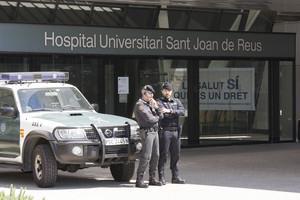 Registros de la guardia civil en el caso Innova a Reus. En la foto: el hospital Sant Joan de Reus..