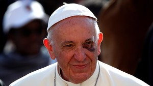 zentauroepp40087617 pope francis arrives to lead his wednesday general audience 170913120658