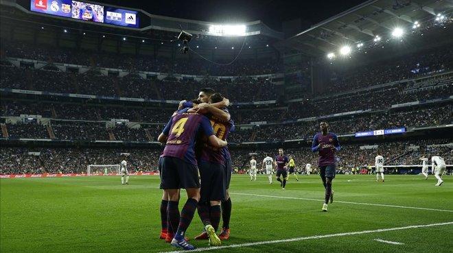 pretty nice 144e4 db7da Piqué y Lenglet, los colosos del Bernabéu