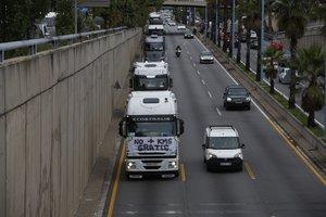 La marcha de camiones, en la Ronda de Dalt a la altura de Vall d'Hebron.