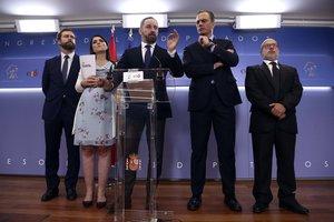 Vox nega incomunicació a Múrcia: Abascal era amb Casado i Espinosa de los Monteros amb Villegas