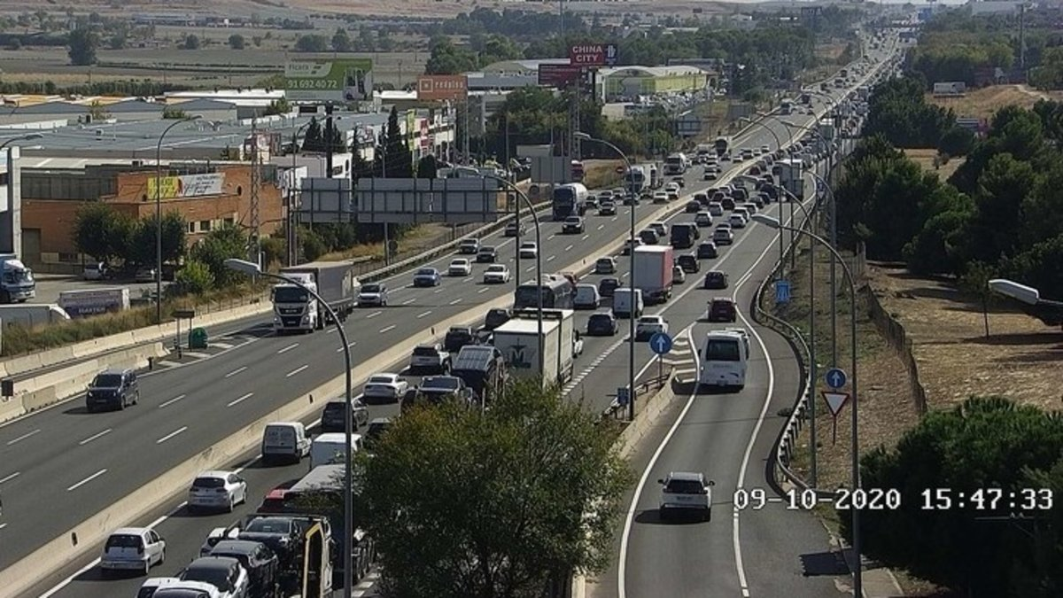 La A-4 a la salida de Madrid esteviernes de inicio del puente del Pilar, poco antes de decretarse el estado de alarma.