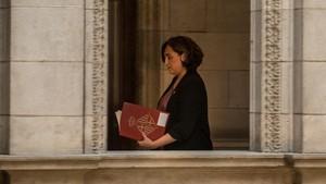 La alcaldesa de Barcelona, Ada Colau, tras una comparecencia en el Ayuntamiento de Barcelona.