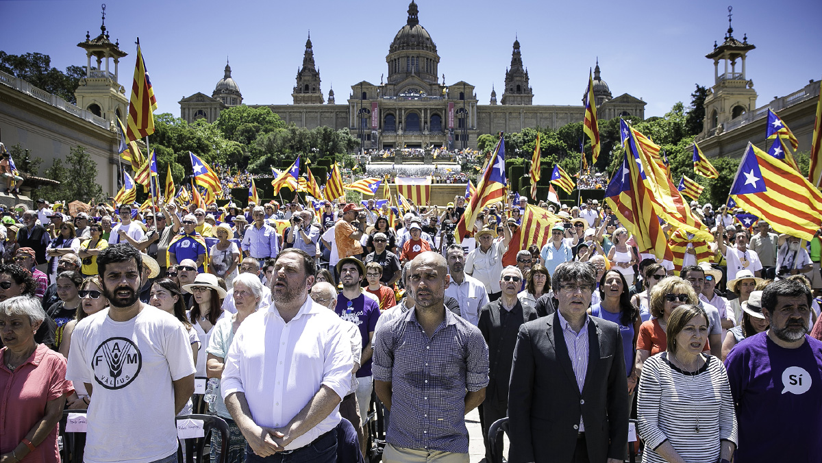Dos de cada tres catalanes manifiestan su intención de participar en la consulta.