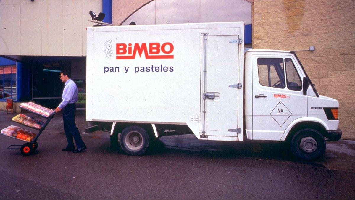 Un camión de reparto de Bimbo.
