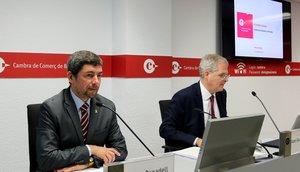 El presidente de la Cambra de Comerç de Barcelona, Joan Canadell, junto al director de estudios económicos de la entidad, Joan Ramón Rovira.