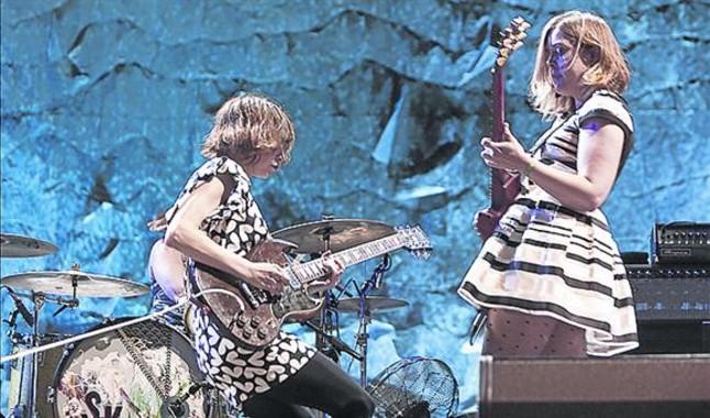 Carrie Brownstein y Corin Tucker, en el concierto de Sleater-Kinney.