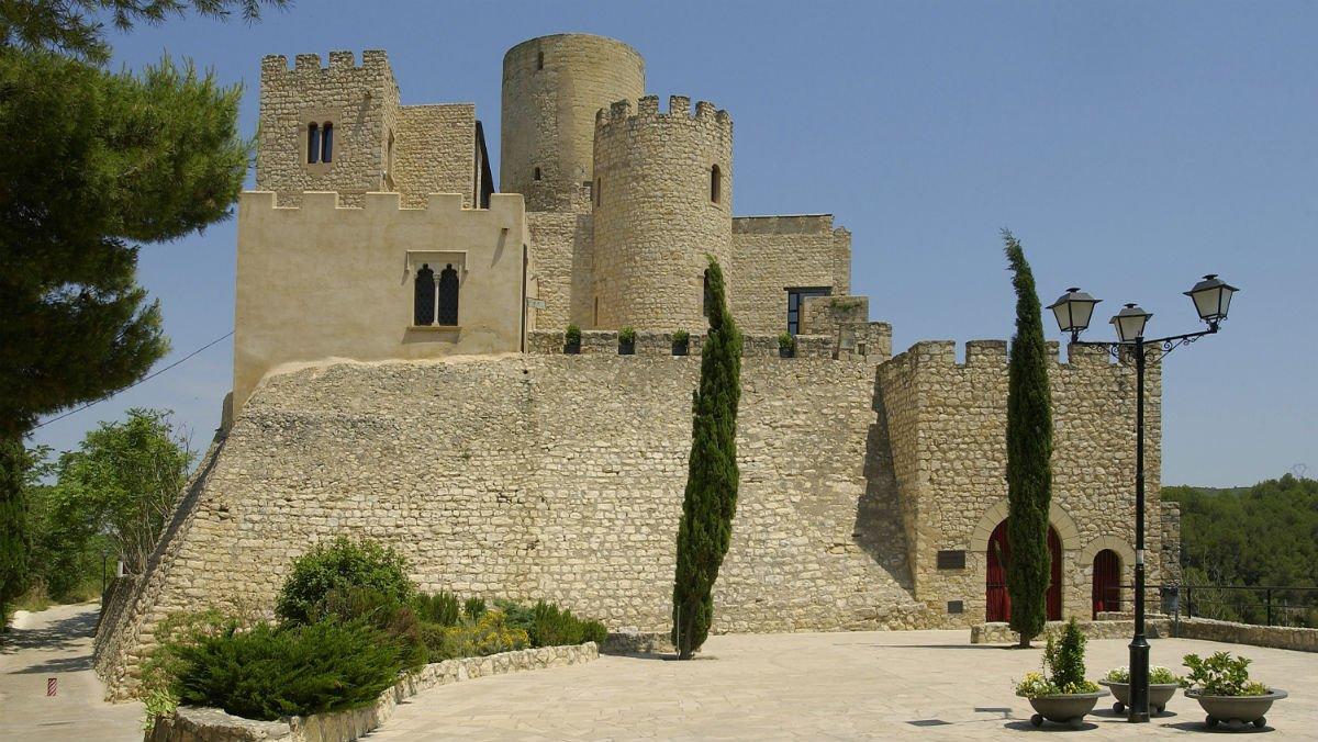 El castillo de Castellet i la Gornal, donde está ubicado el Centro Internacional Unesco para las Reservas de la Biosfera Mediterráneas (CIURBN), sede de la Fundación Abertis.