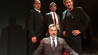 'Sota la catifa', una comedia de intriga con elementos cinematográficos