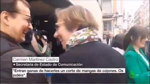 Momento en el que la secretaria de Estadode Comunicación, Carmen Martínez Castro, es pillada con la frase ¡Os jodéis!.