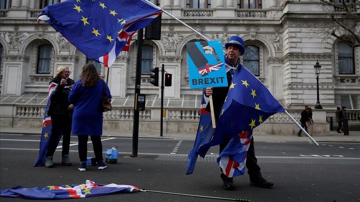 El activista anti-brexitSteve Bray en una protesta en el centro de Londres el pasado miércoles.