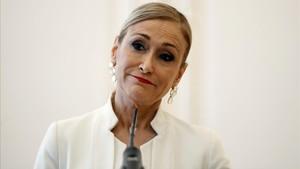 Cristina Cifuentes durante la rueda de prensaen la que ha anunciado su dimisión.