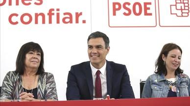 Sánchez renuncia al impuesto a la banca y molesta a Podemos