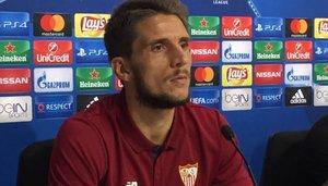 01/11/2016 Daniel Carriço, jugador del Sevilla, en rueda de prensa de la Liga de Campeones